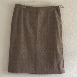 Calvin Klein brown patterned skirt with side ziper